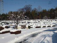 お参りの方「2週続けて雪なんてビックリです」